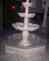 Инкрустиран триетажен фонтан