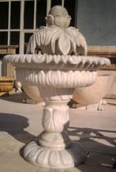 "Мраморен фонтан от тип ""Затворени листа"""